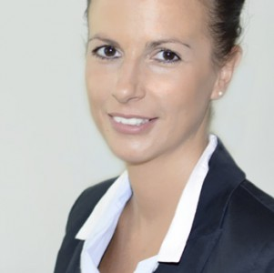 Assistentin Birgit Suchomel